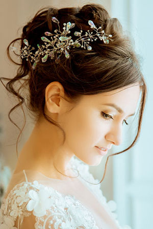 Hairstyles for brides grooms dunstable hair salon wedding day bun hairstyles for brides junglespirit Image collections