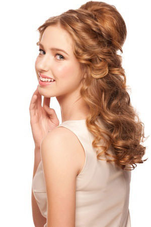 Beautiful hair ideas for bridesmaids hair salon hungerford here is our quick guide to wedding hairstyles for brides and bridesmaids brought to you by the wedding and bridal hair specialists at perfectly posh hair junglespirit Gallery